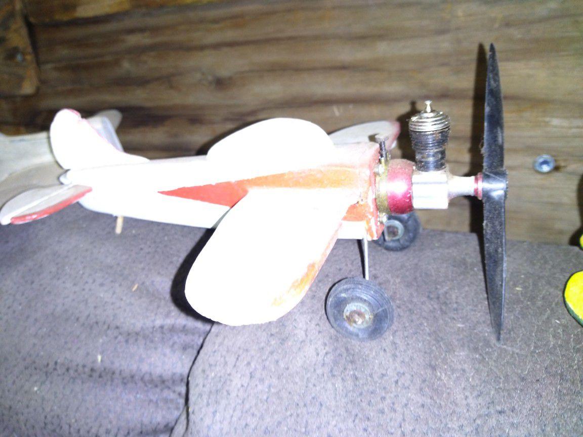 """1930s tiny balsa """"wirlaway"""" airplane"""
