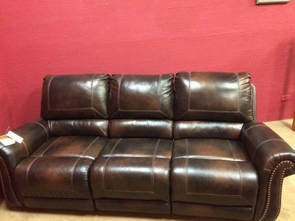 3 seater recliner leather sofa (Furniture) in Irving, TX - OfferUp