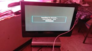 32 inch perfect condition remote for Sale in Cleveland, OH