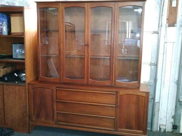 Vintage Lane Furniture Hutch for Sale in Anaheim, CA - OfferUp