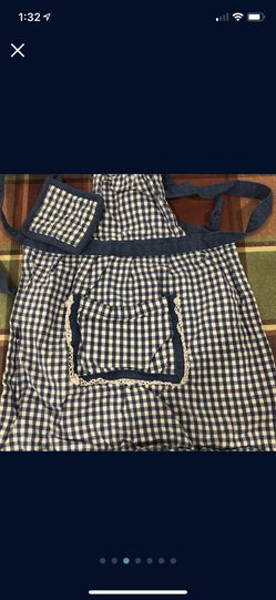 Baby Girl Bibs Paint Cover And Apron Smoke And Pet Free Thumbnail