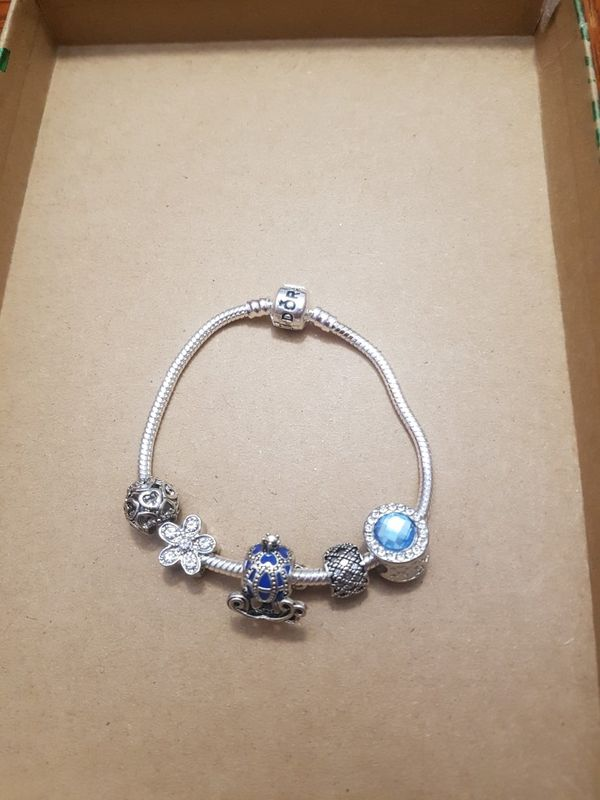 Bracelet with silver charms (Jewelry & Accessories) in Bloomingdale, IL - OfferUp