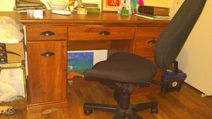 Desk with chair for Sale in Natrona Heights, PA