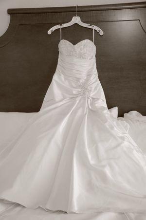 Maggie Sattero wedding dress for Sale in Orlando, FL