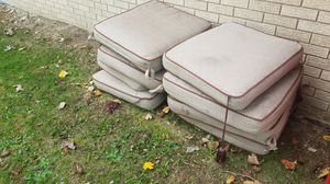 Patio furniture cushions for Sale in Macomb, MI