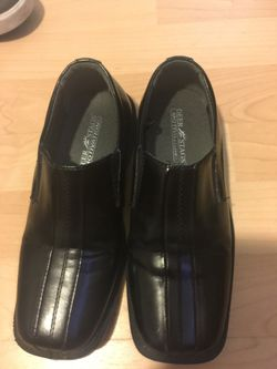 Deer stag boys dress shoes size 2 Thumbnail