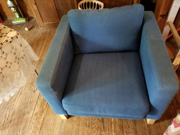 Blue chair Furniture in Bloomington IL OfferUp