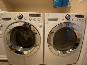 Photo LG Washer and Dryer Set