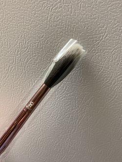 Moda Makeup Brush Thumbnail