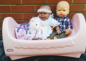 Photo Little tikes rocking doll bed and baby dolls