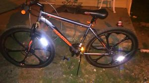 """29"""" Mongoose mountain bike just need front inner tube patched for Sale in Columbus, OH"""