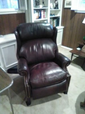 Red leather recliner, slightly used for Sale in Alexandria, VA