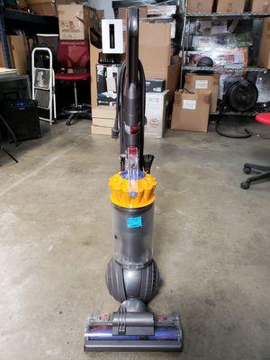 Dyson Multifloor Up 13 Yellow Vacuum for Sale in Santa Fe Springs, CA