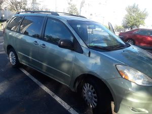 2007 Toyota sienna for Sale in Laurel, MD