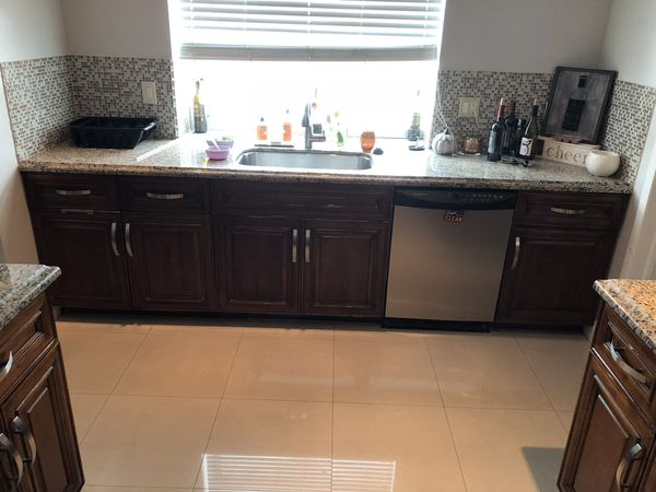 used kitchen cabinet lights appliances sink countertop for sale for sale in fort. Black Bedroom Furniture Sets. Home Design Ideas