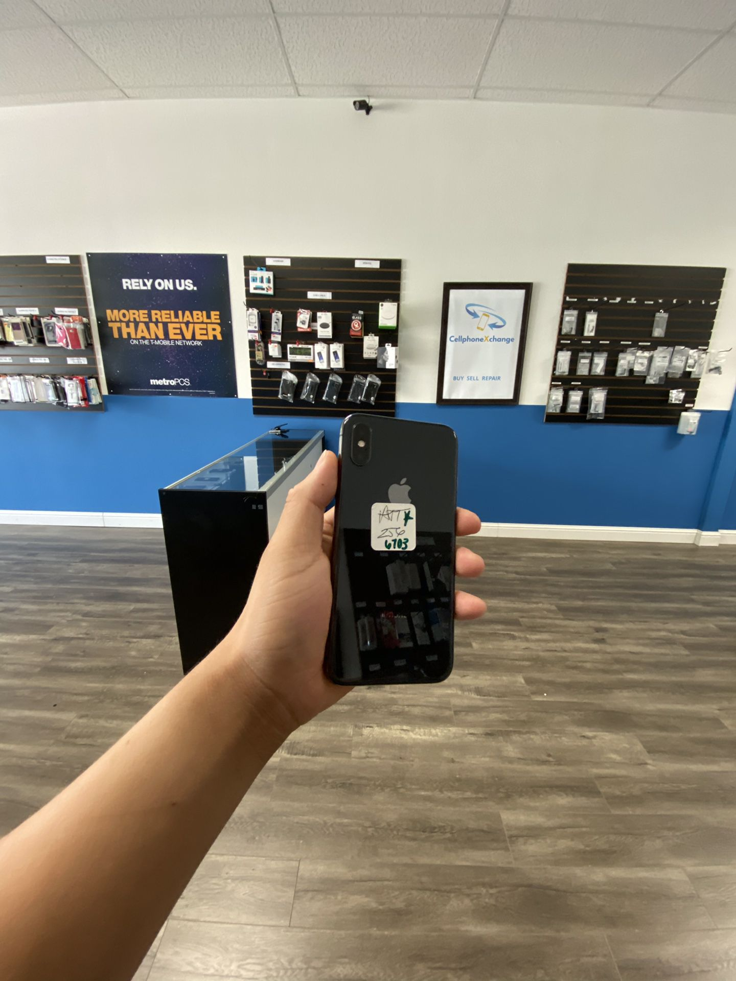 IPHONE X 256GB AT&T CRICKET