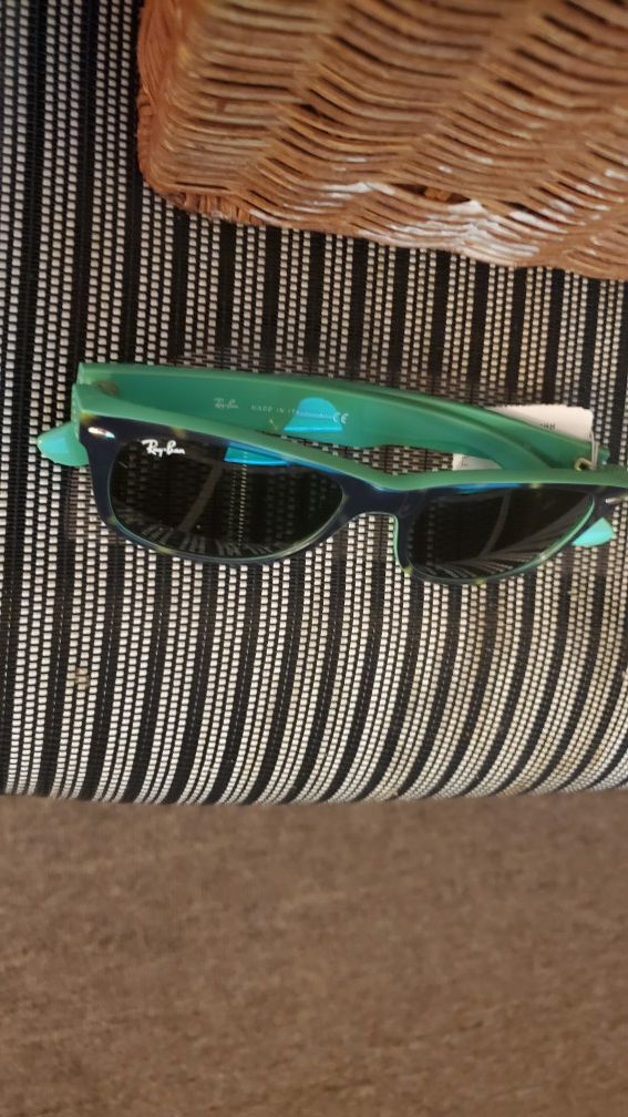 Free sun glasses if you buy any stuff from my page