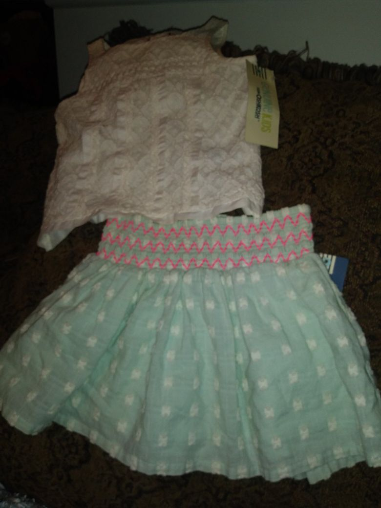 Shirt and skirt size 3t