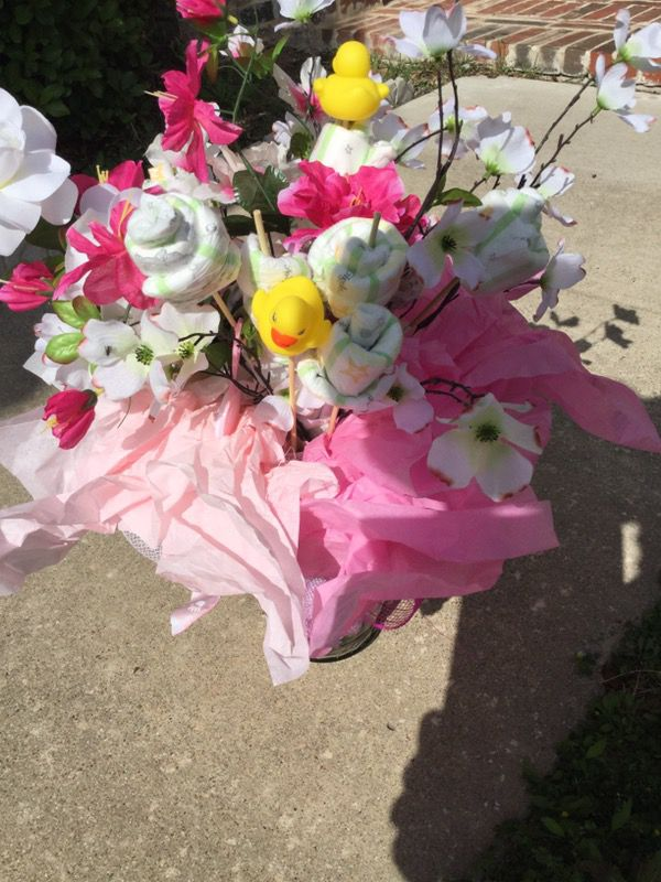 Girl\'s diaper bouquet for Sale in Fort Worth, TX - OfferUp