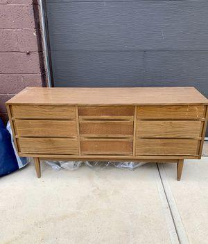 Photo Pick up today vintage Mid century modern Kroehler Walnut 9 Drawer Long Dresser w/laminate top