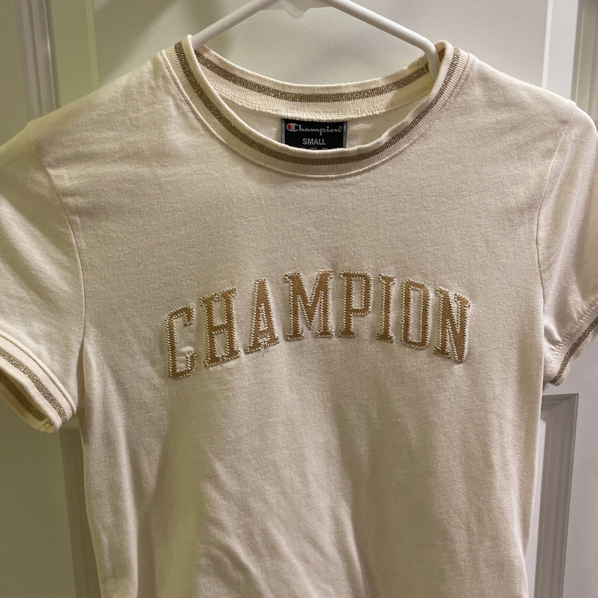 Champion fitted shirt