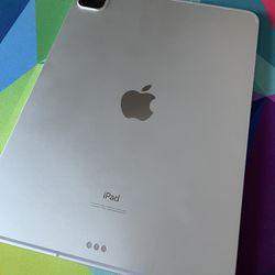 "2020 iPad Pro 11"" / Silver / 256GB / Cellular + WiFi / AppleCare+ / Magic Keyboard Thumbnail"