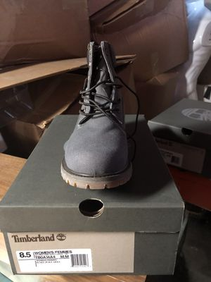 Timberland shoes size 8 1/2 for Sale in Chicago, IL