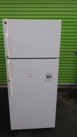 Hotpoint refrigerator for Sale in Temple Hills, MD