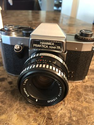 HANIMEX PRAKTICA NOVA 1B 35MM FILM SLR CAMERA W/50MM F2.8 MADE IN EAST GERMANY comes with a original Case, Mint Condition for Sale in Gilbert, AZ