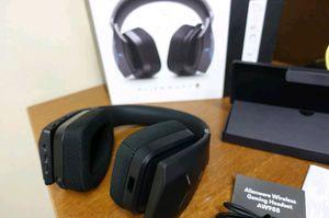 Alienware 988 wireless headset for Sale in Orlando, FL