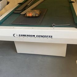 Outdoor Pool Table For Sale Needs Felt To Be Replaced  Thumbnail
