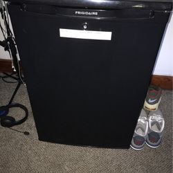 Frigidaire mini refrigerator, nothing wrong with it works perfectly fine! will be cleaned out for whoever buys it! needs gone ASAP!  Thumbnail