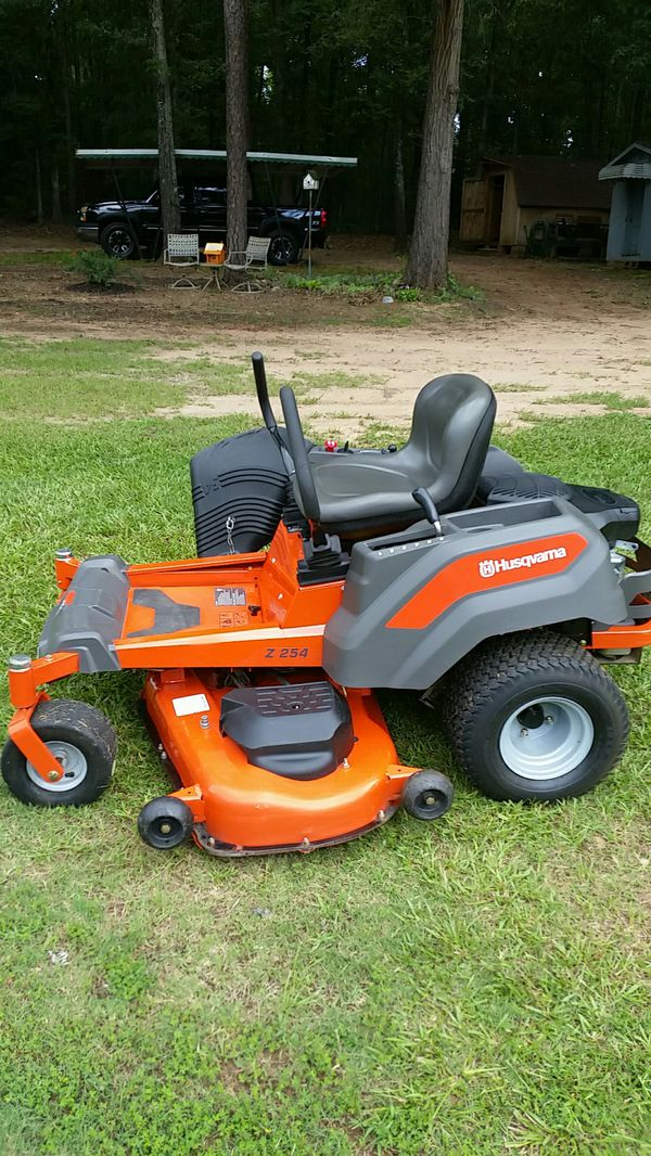 Z 254 Husqvarna 26 horse power Kohler engine with 107 hrs nothing ...