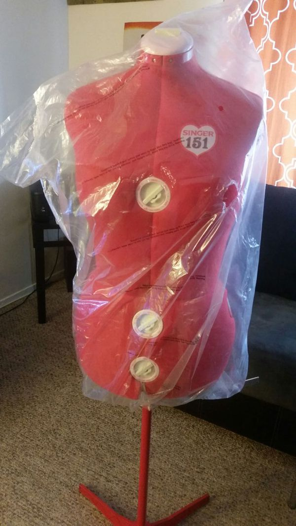 Singer 12 dial adjustable dress form for Sale in San Diego 27a28e9ed