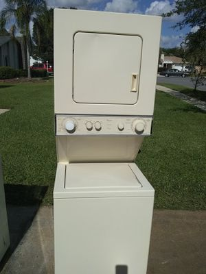 Whirlpool 24 inch stack washer and dryer for Sale in Orlando, FL