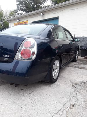 2006 Nissan Altima RUNS AND LOOKS GREAT!! for Sale in Germantown, MD