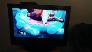 Emerson color TV 32 in. Good conditions. Hablo español for Sale in Phoenix, AZ