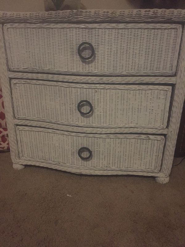 White wicker dresser for Sale in Tigard, OR - OfferUp