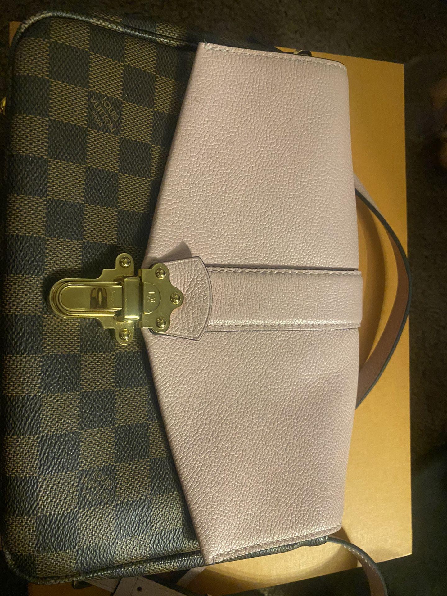 Louis Vuitton Clapton Magnolia