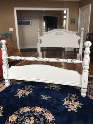 Photo Farmhouse QUEEN bed— headboard footboard rails COMPLETE white distressed