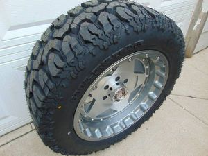 Photo *6 LUG* Charcoal and Machined 20X10 Centerline Rims 285 55 20 Mud Tire