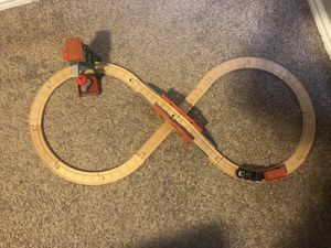 Photo Thomas the Train wooden Diesel Works play set