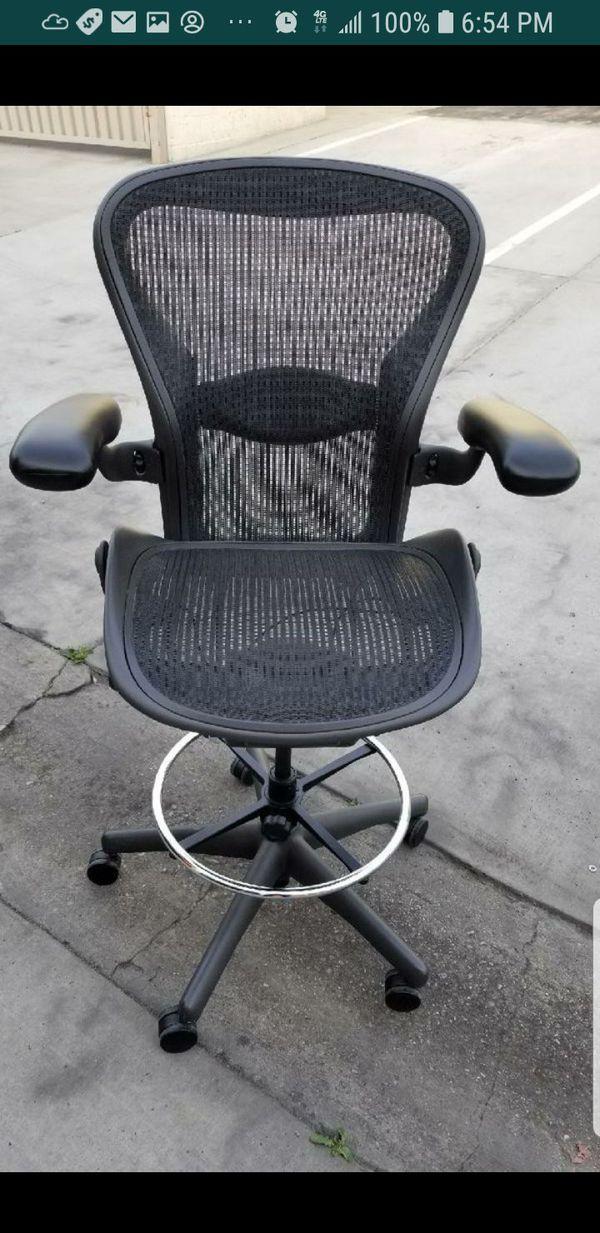 Herman Miller Aeron stool for Sale in Pasadena, CA - OfferUp