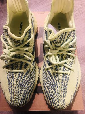 1acf6a012 BRAND NEW NEVER WORN YEEZY 350 SEMI FROZEN YELLOW for Sale in Inglewood