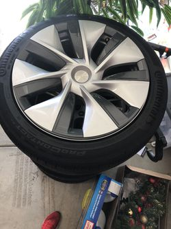 Tesla Model 3 And Y Tires Brand New Thumbnail