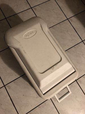 Igloo cooler for Sale in Westminster, CA