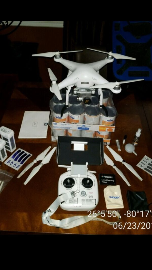 Refurbished DJI Phantom 3 Advance Drone & Accessories for Sale in  Plantation, FL - OfferUp
