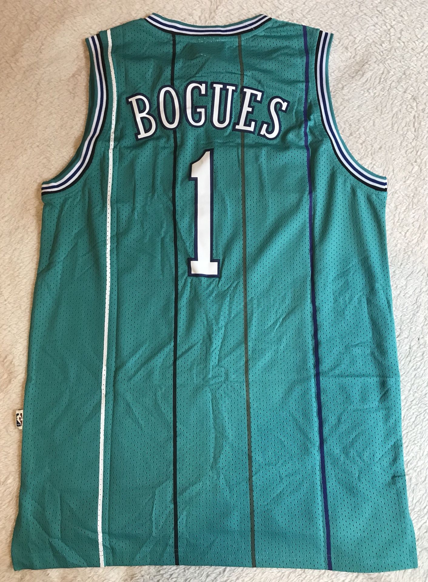 Adidas Muggsy Bogues Jersey for Sale in Blaine, MN - OfferUp