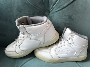 SKECHERS ENERGY Kids Elate White Light Up Leather Sneaker Shoes Size 2 for Sale in Alexandria, VA