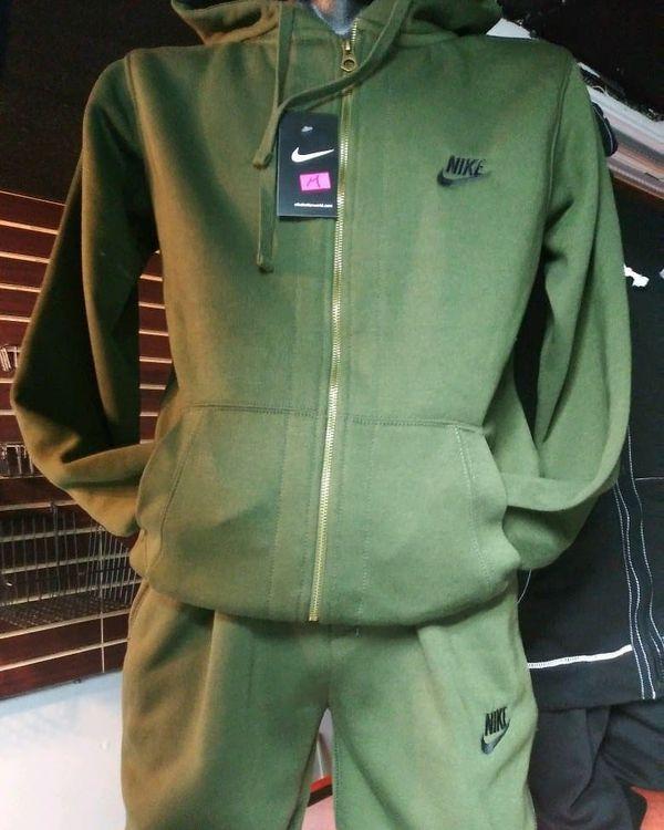 nike 2 piece jogging suit